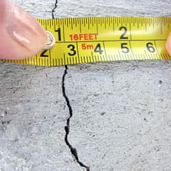 concrete-foundation-crack