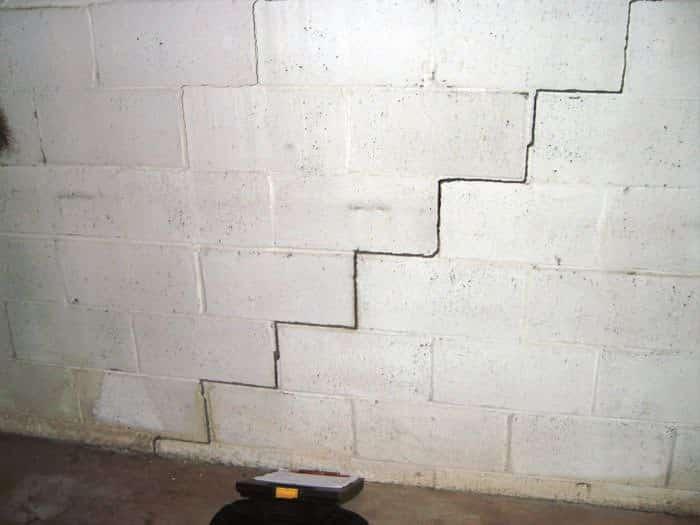 diagonal-wall-crack-lg
