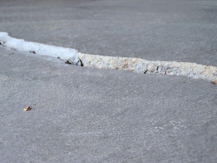 floor-crack-trip-hazard-lg